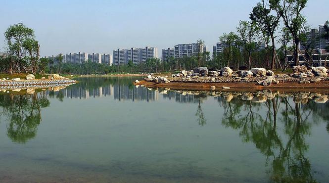 锦城湖开始蓄水 新川创新科技园开拔