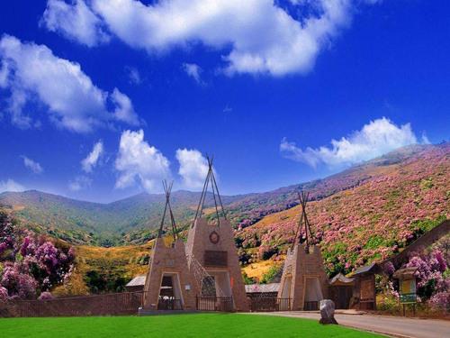 格萨拉生态旅游区开发