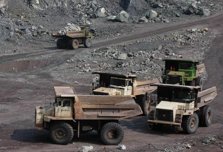 雅安某煤业有限公司股权转让